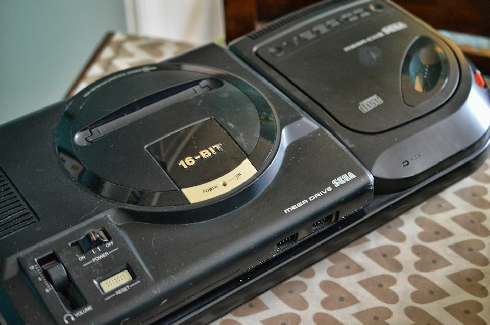 Mega Drive & Mega CD II Top