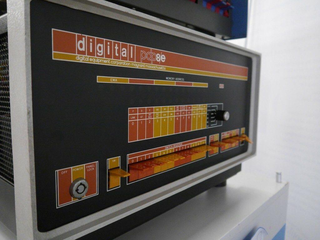 Digital PDP 8/E