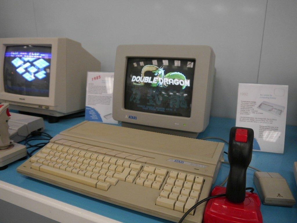 Atari ST running Double Dragon